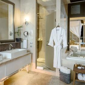 The Residences at Grand Luxxe Nuevo Vallarta — Sample unit master bath