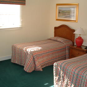 The Cottages at King's Creek Plantation - Unit Bedroom