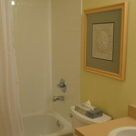 WorldMark Depoe Bay — 2nd Bathroom