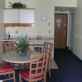 The Cove at Yarmouth - Unit Dining Area