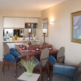 Flagship - Unit Dining Area & Kitchen
