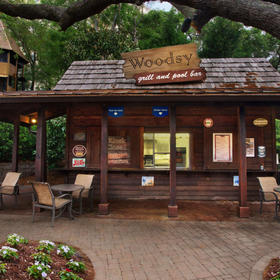 Woodsy Grill & Pool Bar