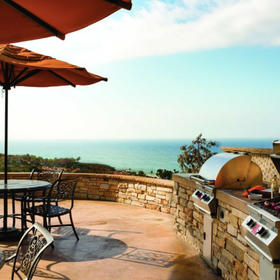 Marriott's Newport Coast Villas Grilling Area