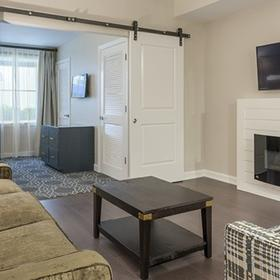 King 583 — Living Area