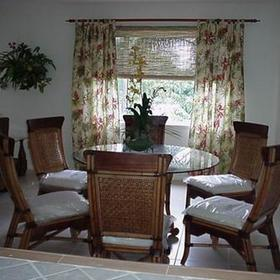 Panama Vacation Quarters — - Unit dining area