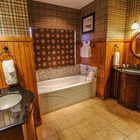 David Walley's Hot Springs Resort and Spa Bathroom