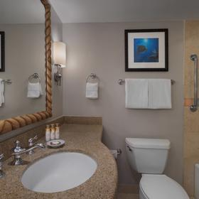 Marriott's Maui Ocean Club — Bathroom
