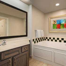 Marriott's Ocean Pointe — Bathroom