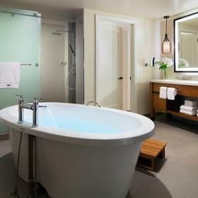 The Westin Nanea Ocean Villas — Bathroom