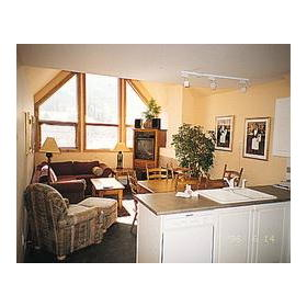 Whistler Vacation Club at Twin Peaks - Unit Living & Dining Room