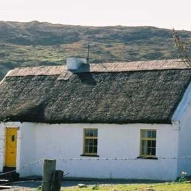Connemara Country Cottages — - Boffin Cottage