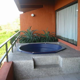 Pacifica Sands — - Jacuzzi on Balcony