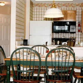 Laurel Crest Resort — - Unit Dining Area