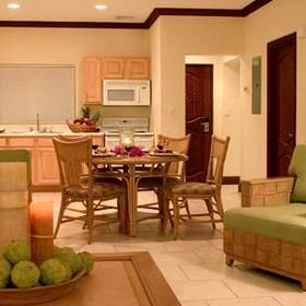 Alexandra Resort and Spa — - Unit Dining Area & Kitchen