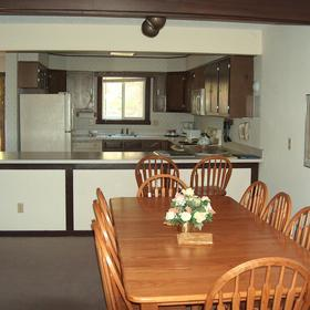 Massanutten's Mountainside Villas - Dining Room & Kitchen