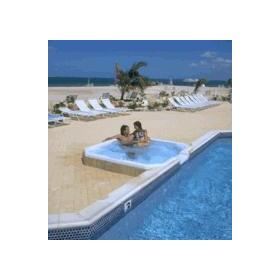 Grand Caymanian Resort - Jacuzzi and pool
