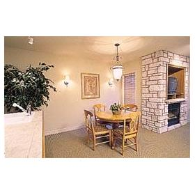 Carriage Hills Resort — - Unit Dining Area