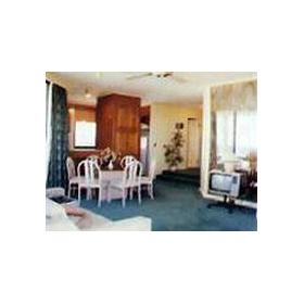 """Room at The """"Q"""" Old Burleigh Road"""