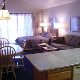 Park Plaza — - Unit Dining & Living Areas