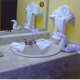 Costa Caribe Resort - Unit Bathroom