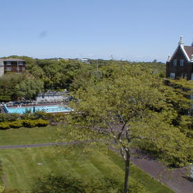 Montauk Manor — - Grounds