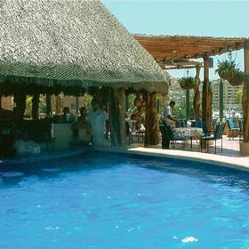 Marina Fiesta Resort - Pool Bar