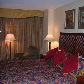 Hilton Grand Vacations Resort on the Boulevard Bedroom