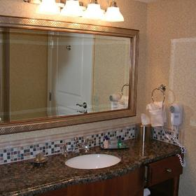 Hilton Grand Vacations Resort on the Boulevard Bathroom