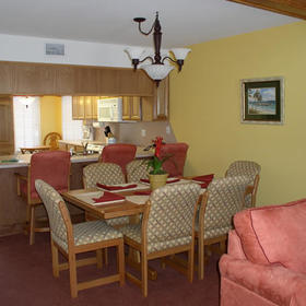Holiday Beach Resort - Soundside - Unit Dining Area