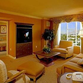 HGVC at the Las Vegas Hilton - Unit Living Area