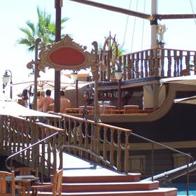 pirate ship cafe and hot tub