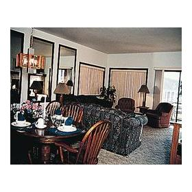 Pend Oreille Shores Resort - Unit Dining & Living Areas