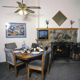 Perennial Vacation Club at Tahoe Village - unit dining area