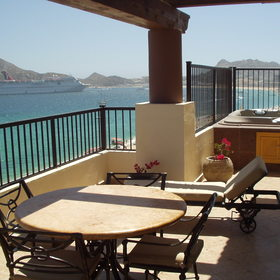 Villa del Arco Beach Resort & Spa — Large unit balcony
