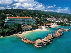 Sandals Grande Riviera Beach & Villa Resort