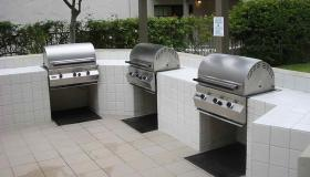 Riviera Oaks Resort - BBQ Area