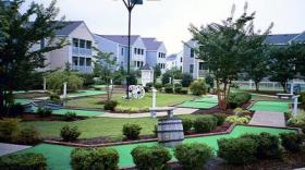 Wyndham Kingsgate - miniature golf on-site