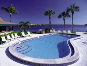 Charter Club Resort on Naples Bay - Pool