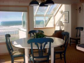Penthouse Dining Room at Point Brown Resort