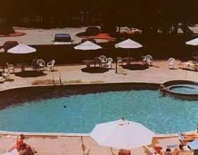 Cold Spring Resort - Pool