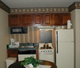 Wyndham Kingsgate - unit kitchen