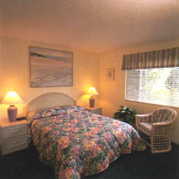 Smuggler's Cove Resort - Unit Bedroom