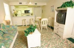 The Cove on Ormond Beach - Kitchen & Living Area