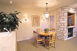Carriage Hills Resort - Unit Dining Area