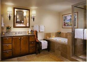 Ka'anapali Beach Club - bathroom with soaking tub and separate shower