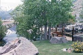 David Walley's Hot Springs Resort and Spa- Grounds