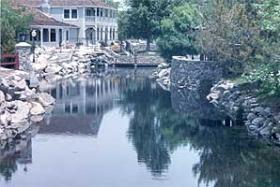 David Walley's Hot Springs Resort and Spa - Lake