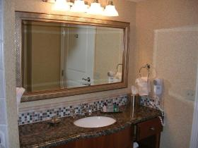 HGVC on the Las Vegas Strip - Unit Bathroom