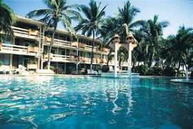 Canadian Resorts - Marparaiso Queen - Pool