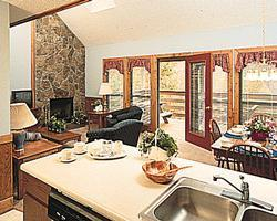 Country Hideaway at Mountain Lakes - Unit Kitchen